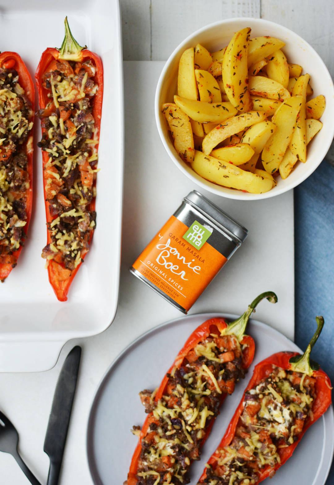 zoete paprika gevuld met gehakt