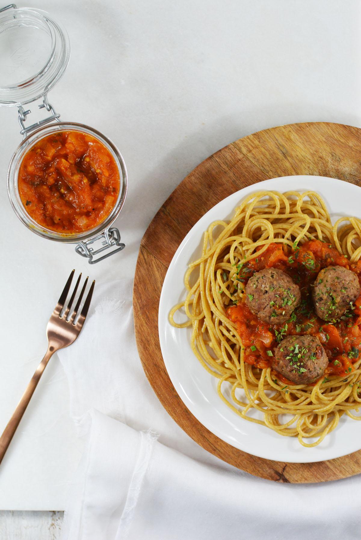 Spaghetti met tomatensaus en gehaktballetjes 3