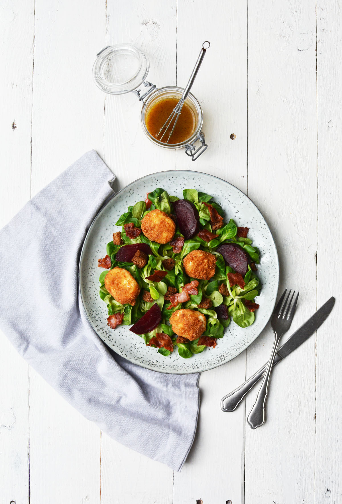 Salade met gefrituurde geitenkaasjes 1.1.
