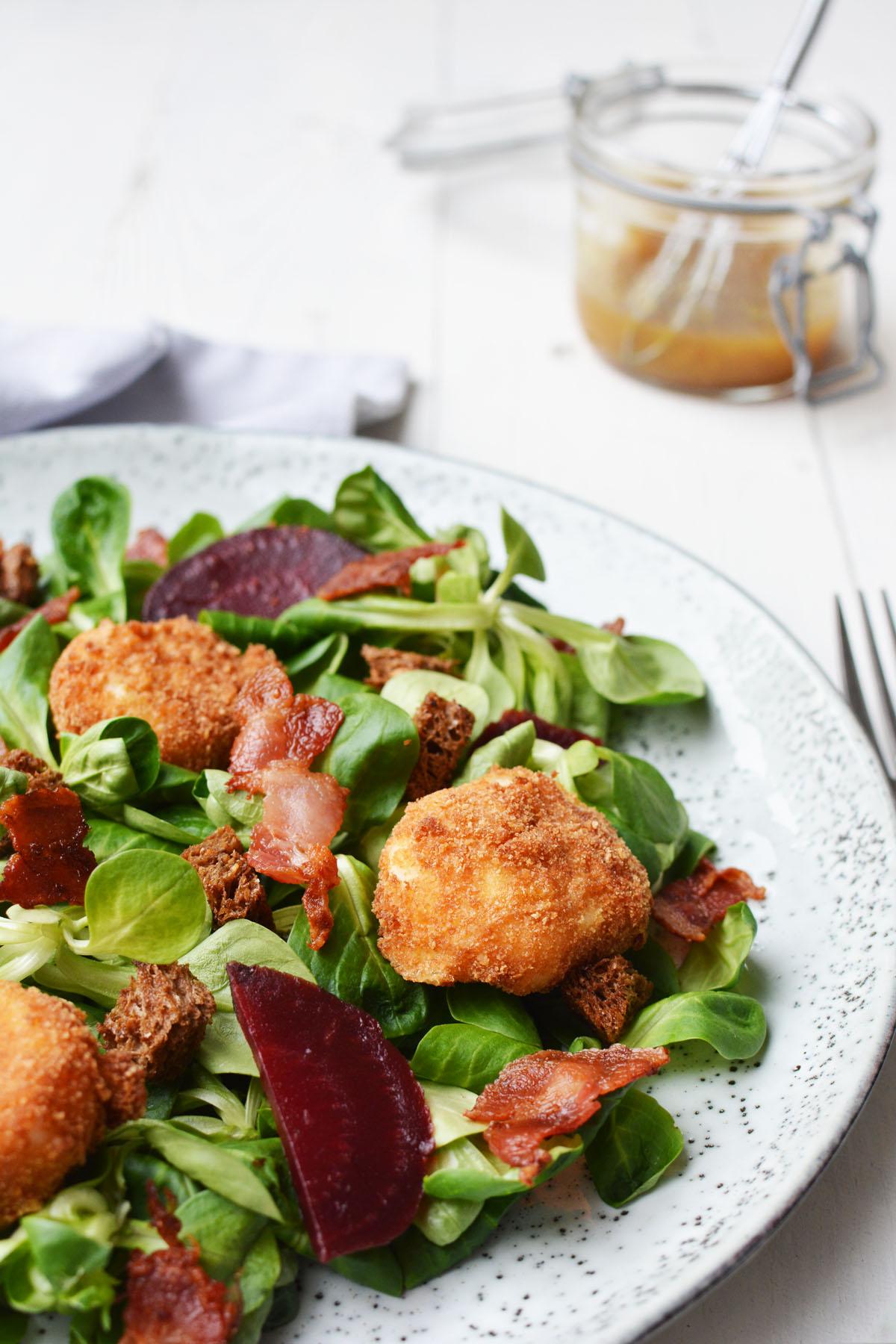 Salade met gefrituurde geitenkaasjes 6