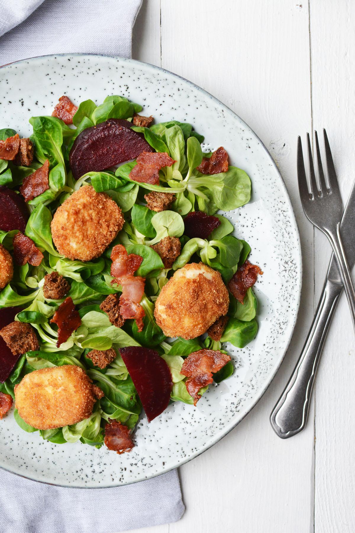 Salade met gefrituurde geitenkaasjes 9