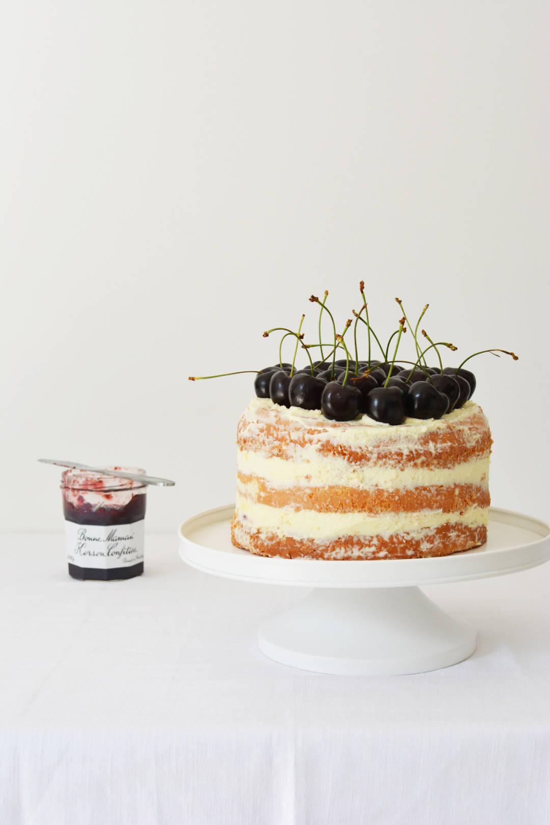 Messy Naked Cake met kersen 1