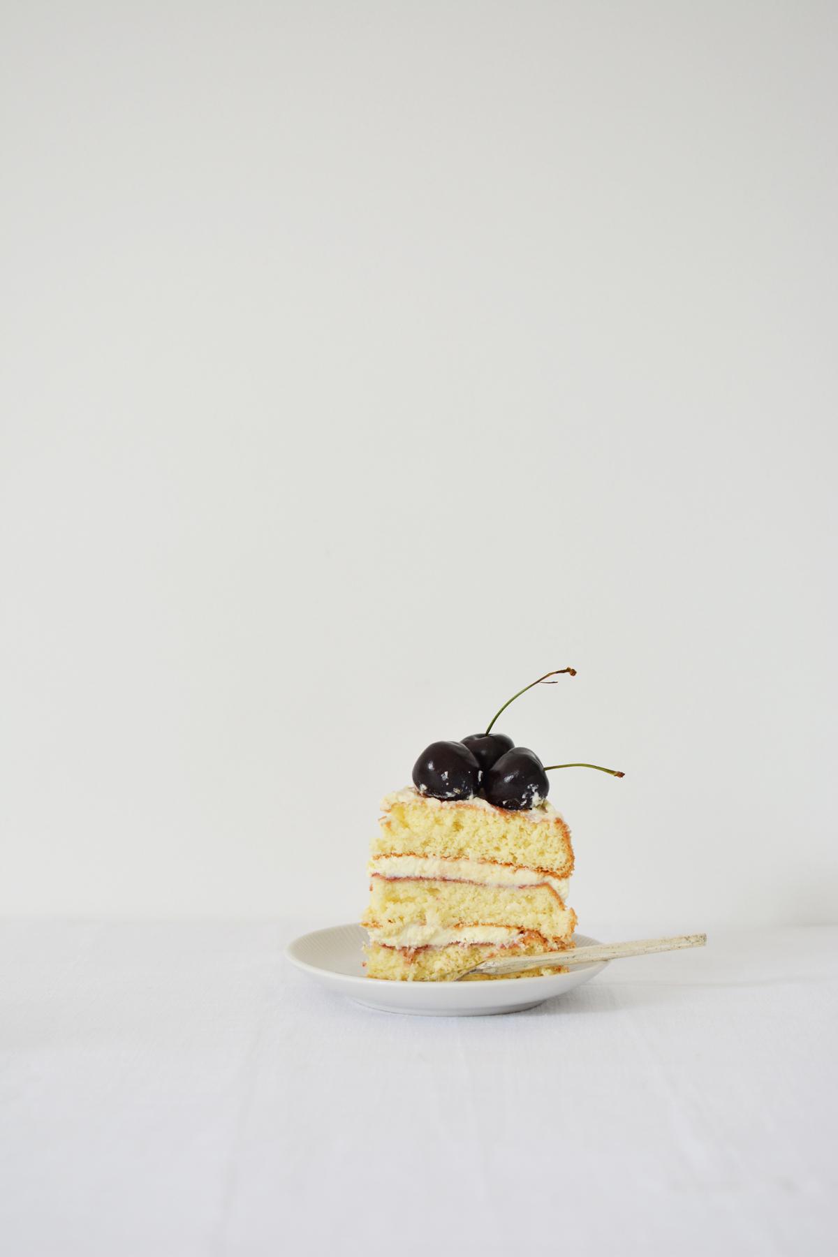 Messy Naked Cake met kersen 26