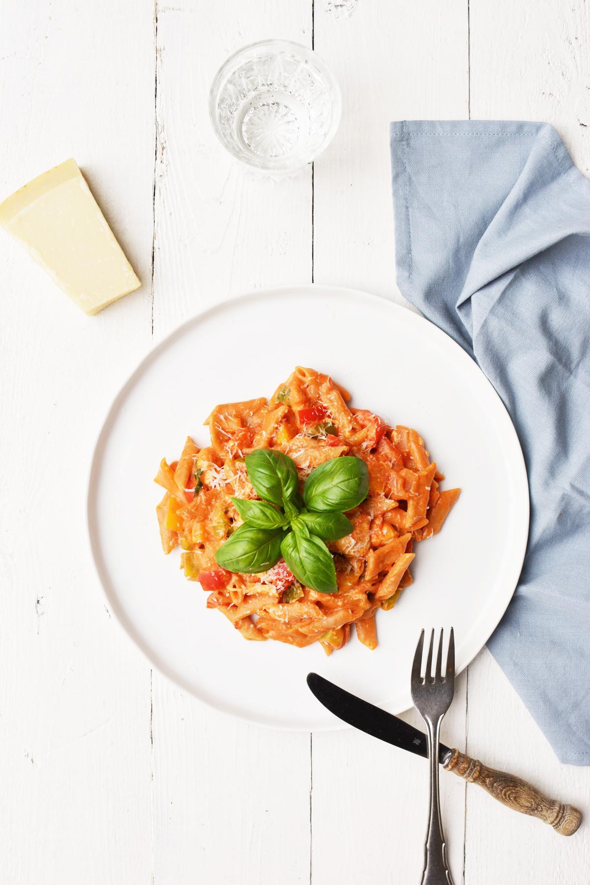One pot pasta met kip en paprika 3