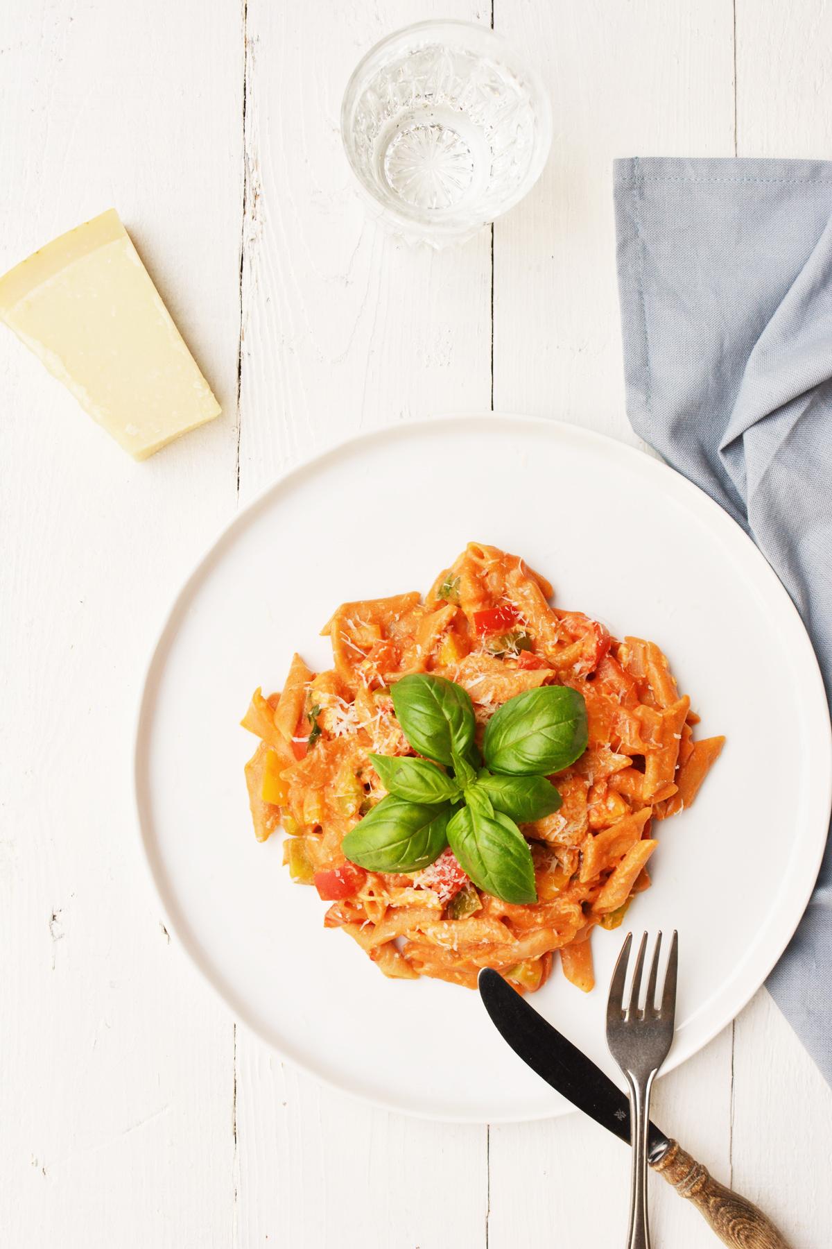 One pot pasta met kip en paprika 5