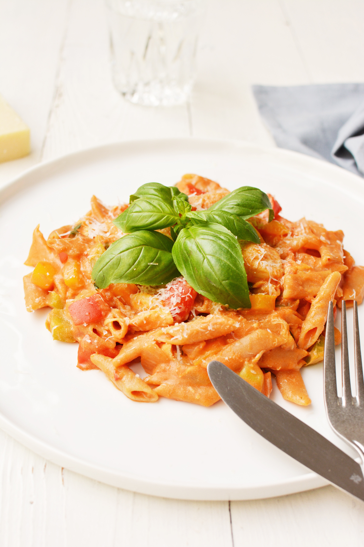 One pot pasta met kip en paprika 9