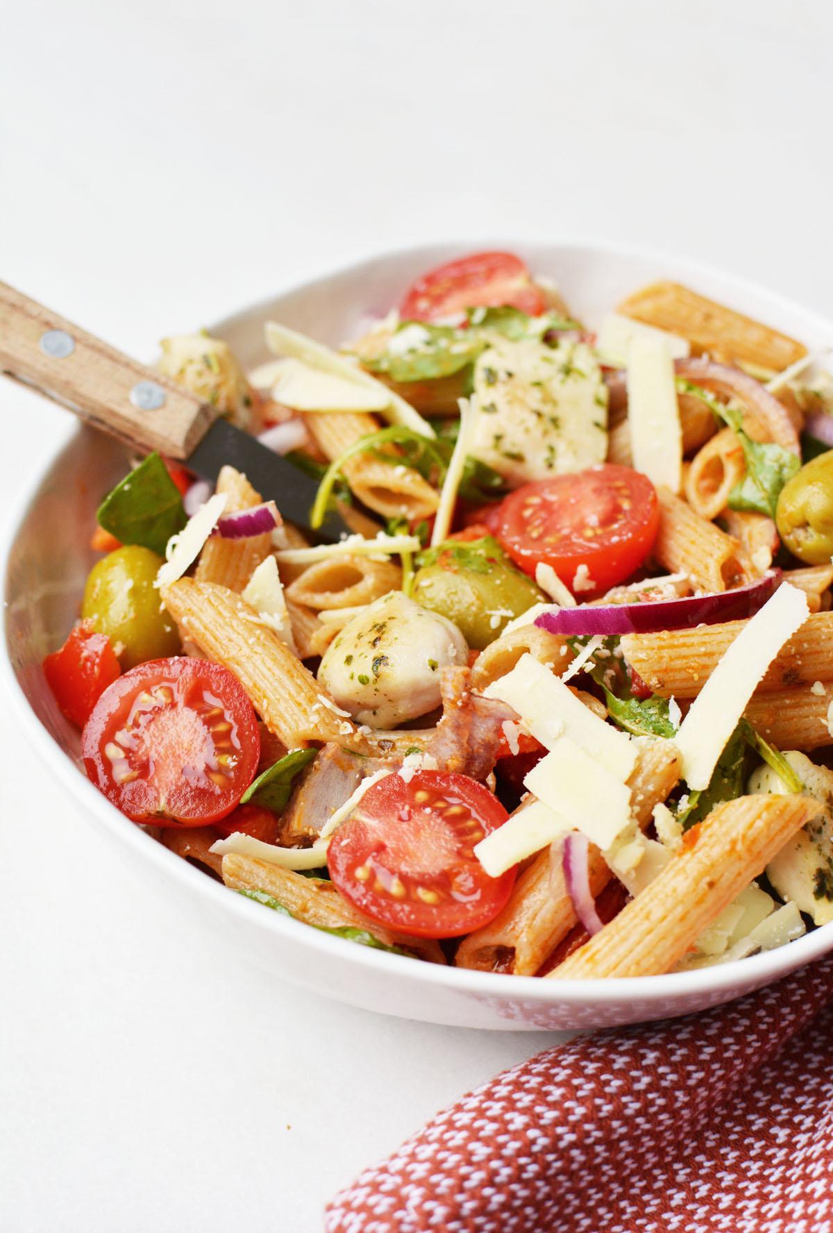 Pasta salade met rode pesto 19