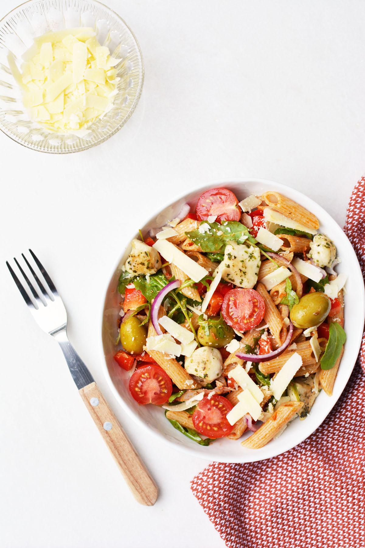 Pasta salade met rode pesto 4