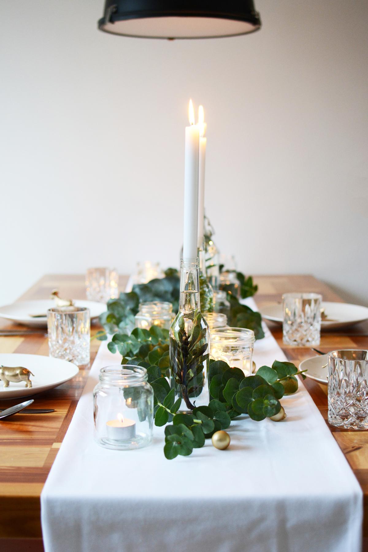 Kersttafel met eucalyptus 33